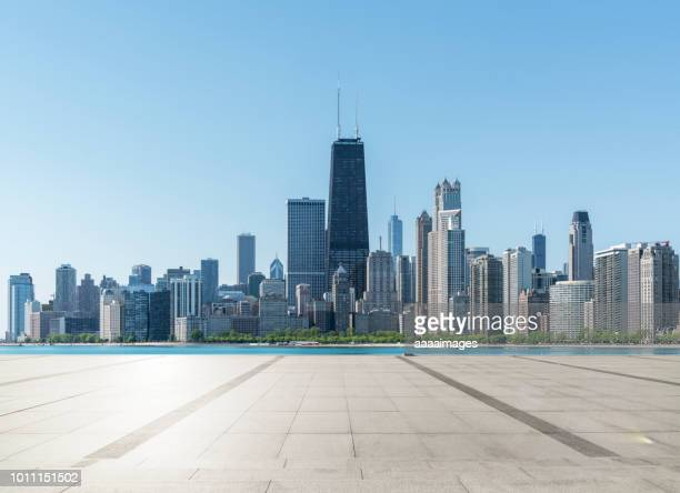 city square - chicago stock pictures, royalty-free photos & images