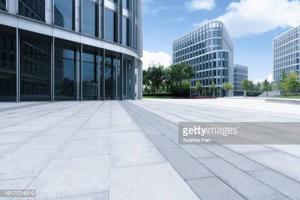 city square - office block exterior stock pictures, royalty-free photos & images