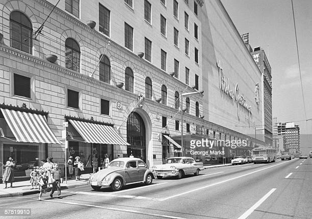city street scene, (b&w) - 20th century stock pictures, royalty-free photos & images