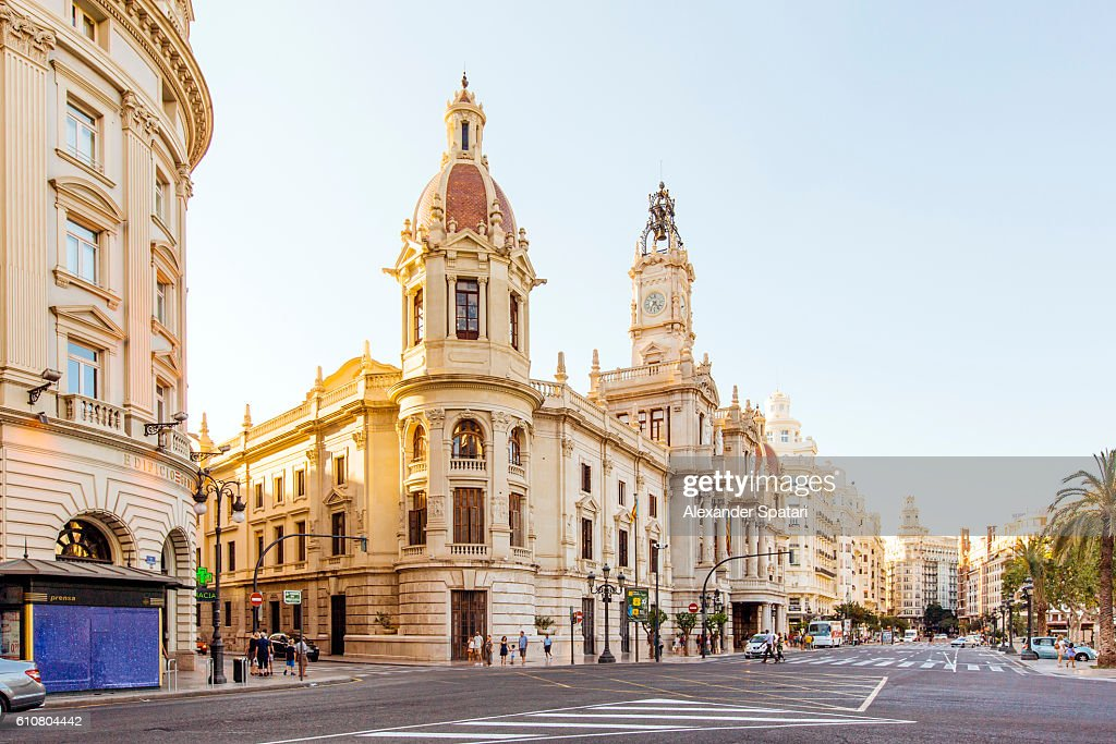 City street with view towards City Hall, Plaza del Ayuntamiento, Valencia, Spain : ストックフォト