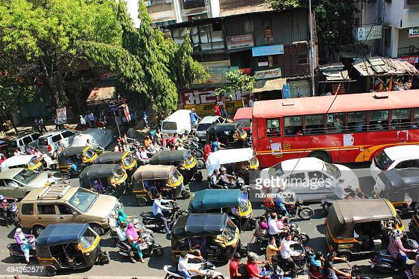 city traffic in india - mumbai stock pictures, royalty-free photos & images