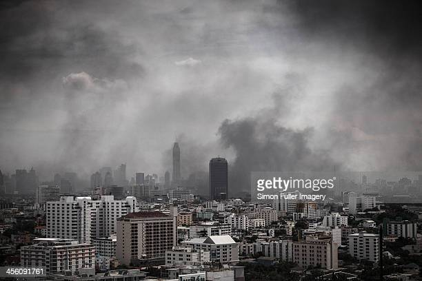 city under siege - terrorism stock pictures, royalty-free photos & images