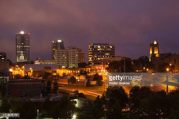 city view in the evening, knoxville, tennessee, usa - knoxville tennessee stock pictures, royalty-free photos & images