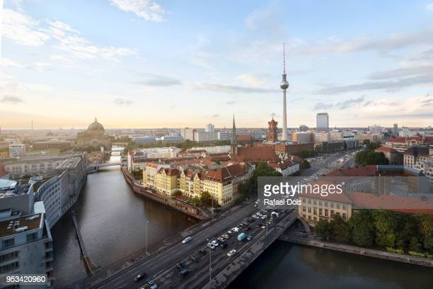 city view of berlin - スプリー川 ストックフォトと画像