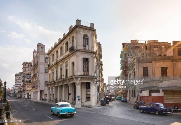 city view of centro viejo, havana, cuba - ハバナ ストックフォトと画像
