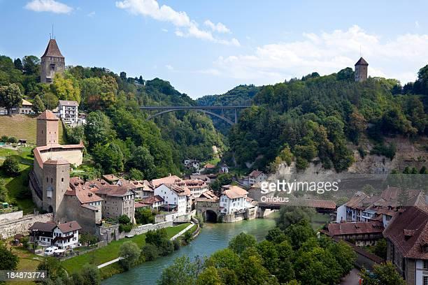 街の眺めをフリブール、スイス - フリブール州 ストックフォトと画像