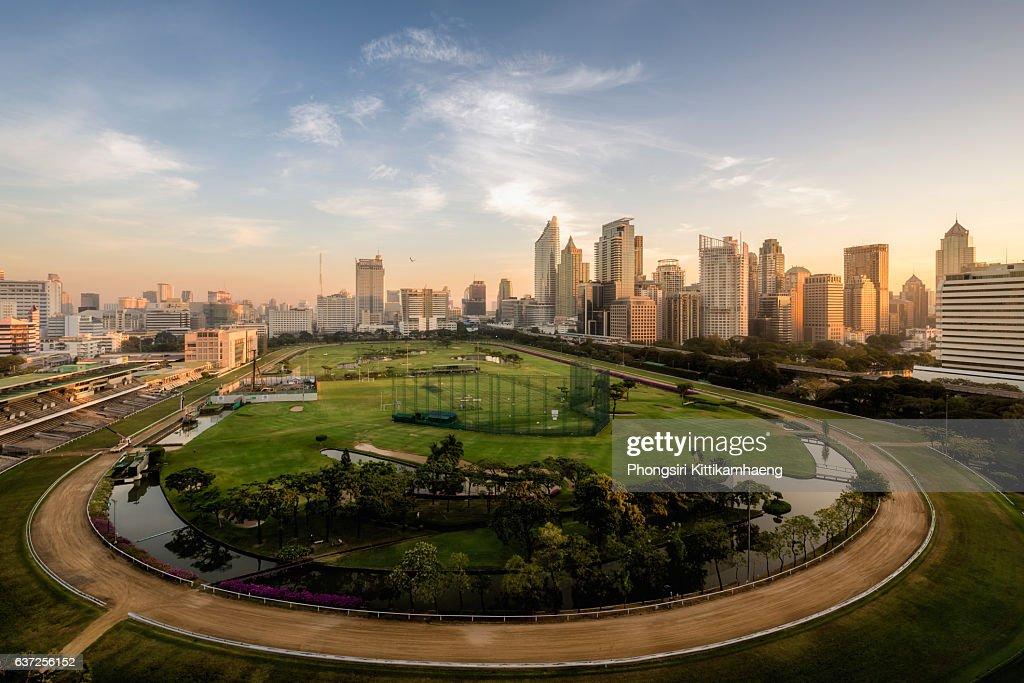 City View Soft Morning Twilight of Ratchadamri Road Views over the Royal Bangkok Sports Club from Ratchadamri Road : ストックフォト