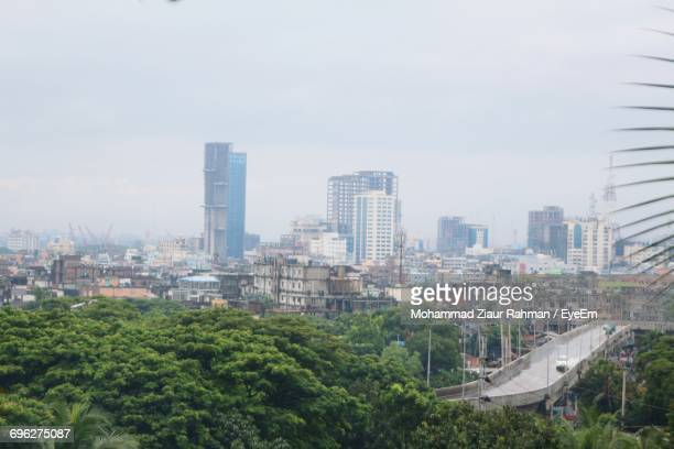 cityscape against sky - ziaur rahman stock pictures, royalty-free photos & images