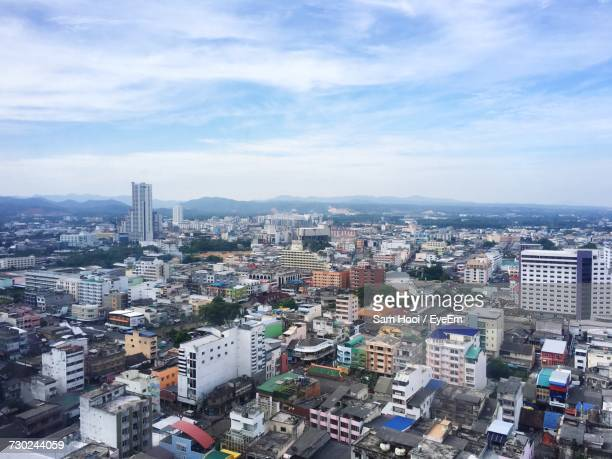 cityscape against sky - hat yai foto e immagini stock