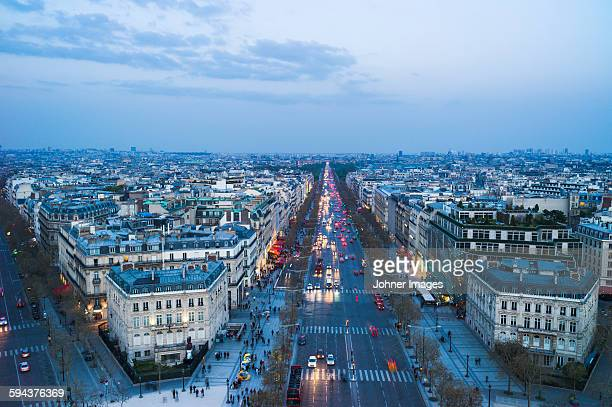 cityscape at dusk - champs elysees quarter stock pictures, royalty-free photos & images