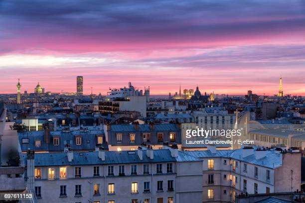 cityscape at night - paris france photos et images de collection