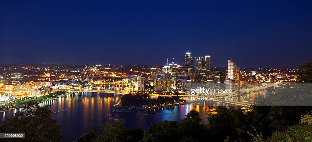 Cityscape at night, Pittsburgh, Pennsylvania, USA : Stock Photo