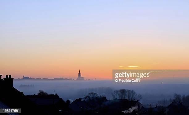 cityscape at sunrise and mist - リュクサンブール州 ストックフォトと画像