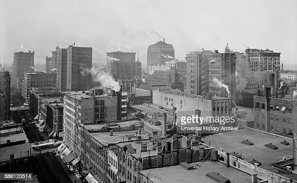 Cityscape, Chicago, Illinois, USA, circa 1900.