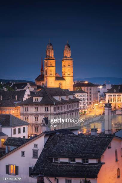 cityscape downtown and business financial of zurich city at twilight sunset, beautiful scenery view of architectural old town city of zurich, switzerland. europe travel destination and vacation time - チューリッヒ ストックフォトと画像