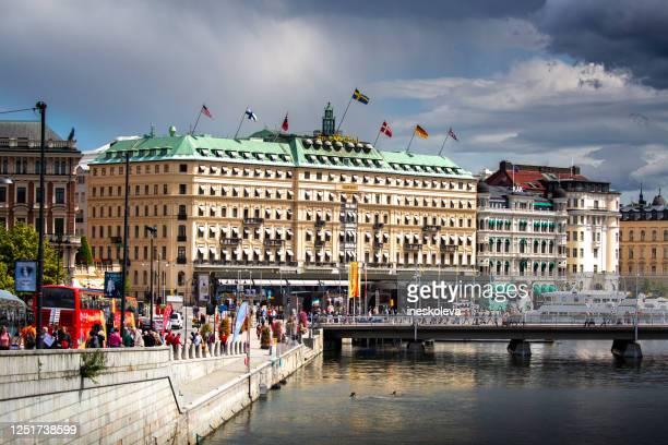 ストックホルムの都市景観 - ストックホルム グランドホテル ストックフォトと画像