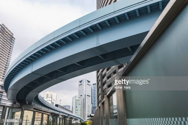 cityscape in tokyo - monorail stock pictures, royalty-free photos & images
