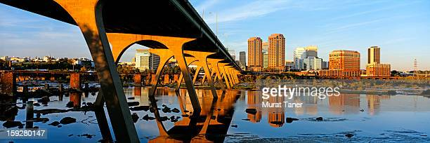 cityscape of a city - richmond virginia stock pictures, royalty-free photos & images
