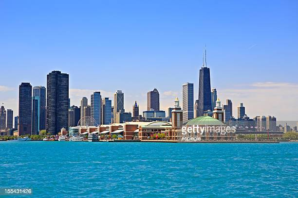 cityscape of chicago and navy pier park - navy pier stock pictures, royalty-free photos & images