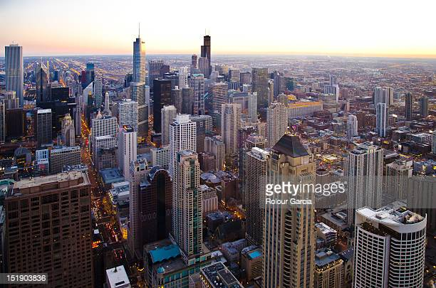 cityscape of chicago - rolour garcia stock pictures, royalty-free photos & images