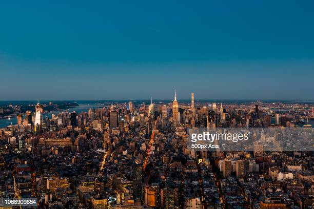 cityscape of downtown new york city, new york, usa - image stockfoto's en -beelden