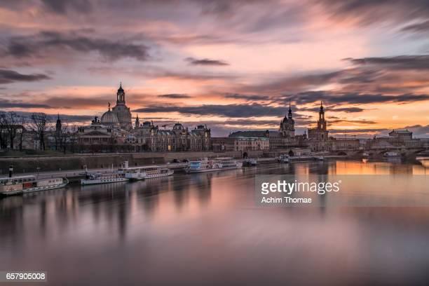cityscape of dresden, saxony, germany, europe - stadtsilhouette stockfoto's en -beelden
