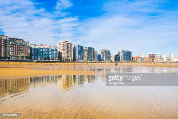 cityscape of gijón from the beach - ヒホン ストックフォトと画像