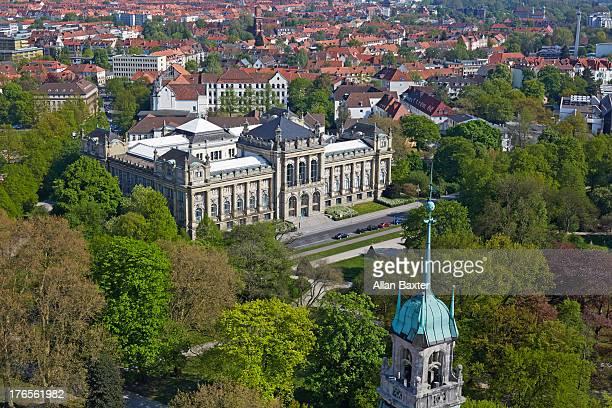 cityscape of hanover with maschpark - hannover - fotografias e filmes do acervo