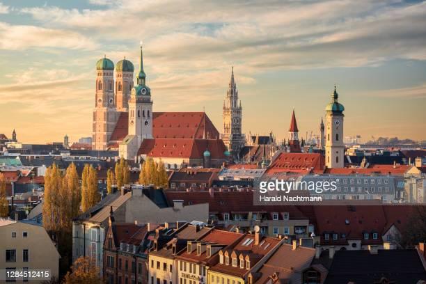 cityscape of historical center, munich, bavaria, germany - münchen stock-fotos und bilder