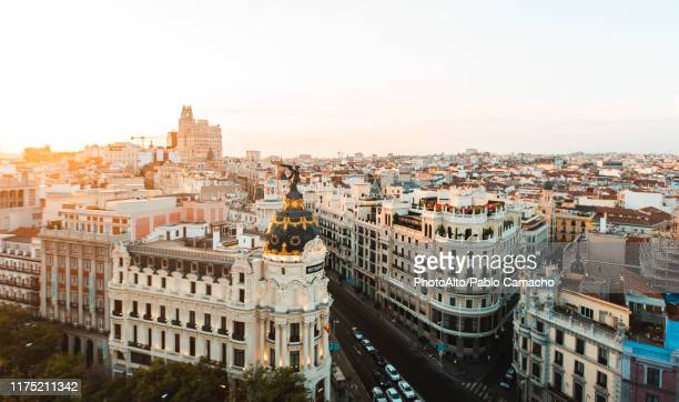 cityscape of madrid at sunset - madrid imagens e fotografias de stock