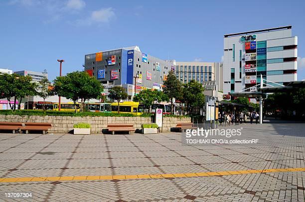 cityscape of makuhari, chiba prefecture, japan - chiba city fotografías e imágenes de stock