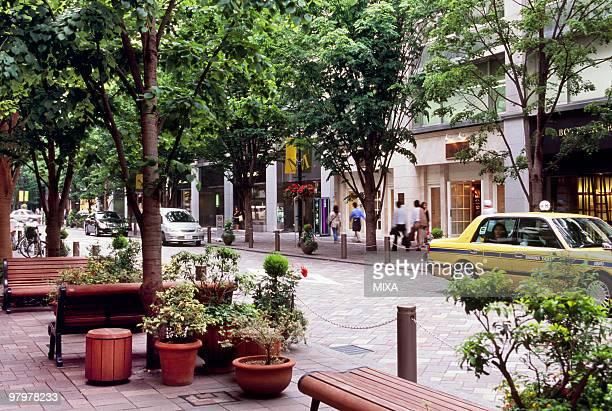 cityscape of marunouchi, tokyo, japan - 丸の内 ストックフォトと画像