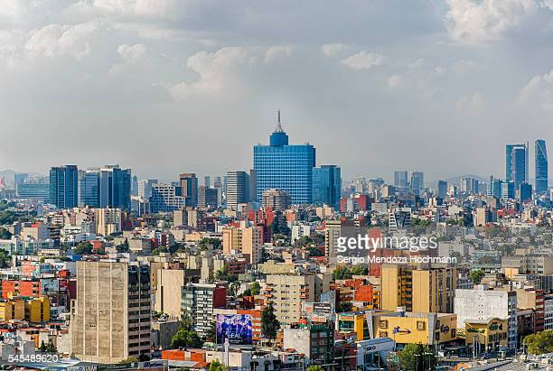 cityscape of mexico city with the world trade center in the middle - メキシコシティ ストックフォトと画像