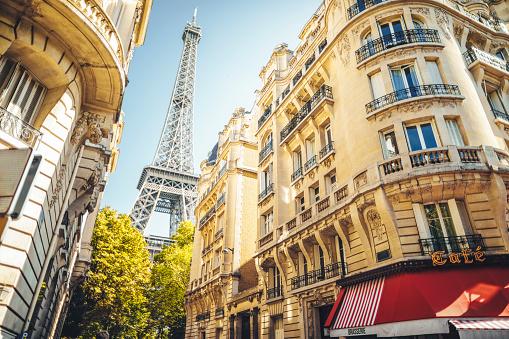Cityscape of Paris 1176360891