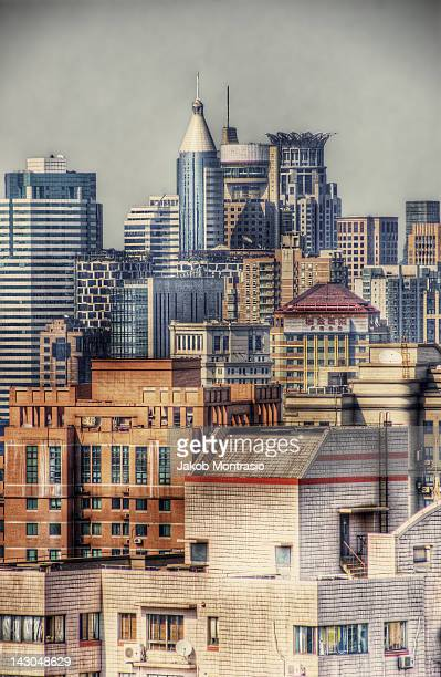 cityscape of shanghai - jakob montrasio stock pictures, royalty-free photos & images