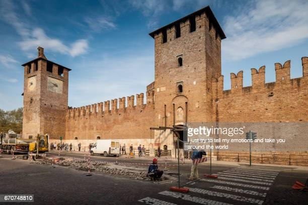 cityscape of verona, veneto - periodo medievale stock pictures, royalty-free photos & images