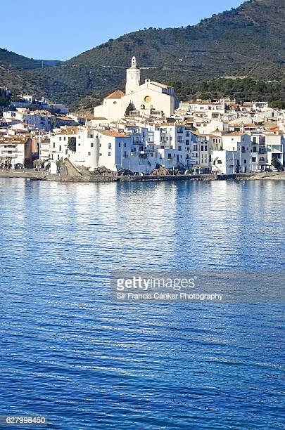 cityscape of white village of cadaques in costa brava, catalonia, spain - cadaques stock pictures, royalty-free photos & images
