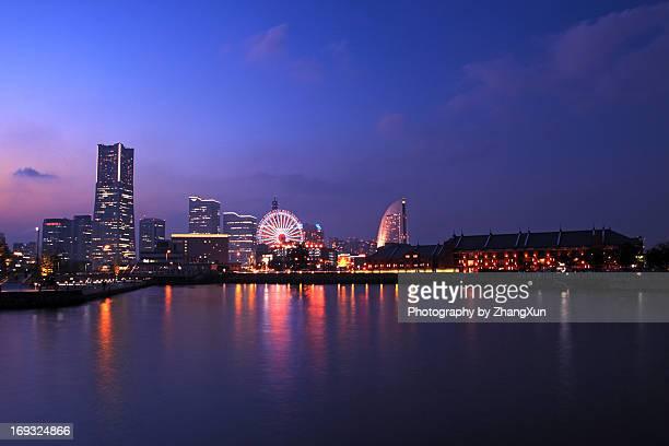 cityscape of yokohama bay at night - yokohama stock pictures, royalty-free photos & images