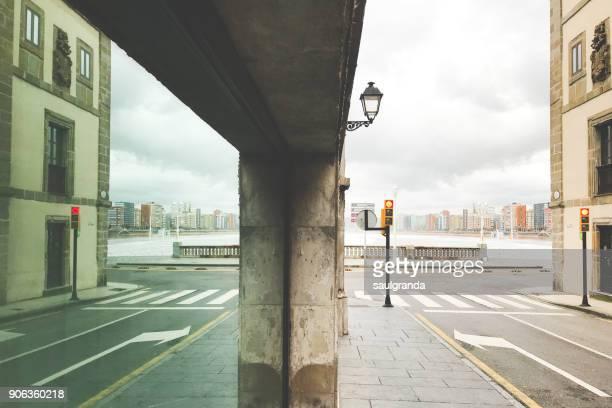 cityscape - principado de asturias fotografías e imágenes de stock