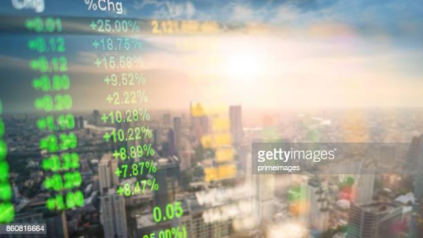 Stadtbild Thailand mit Investitionen Thema Hintergrund und Börse chart