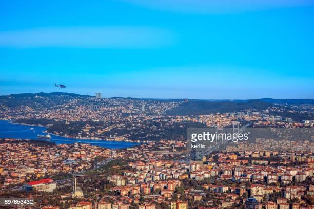 Paisaje, vista desde la altura de Estambul (cielo, mar)