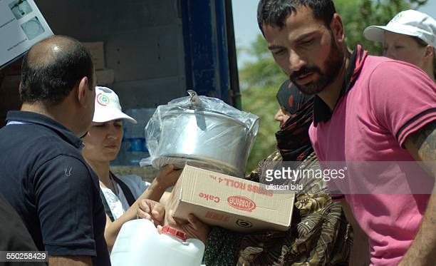 Civil Development Organization supporting Syrian refugees in a camp near Arbat, Sulaimanya Kurdistan Region. Syrian refugees continue to arrive in...