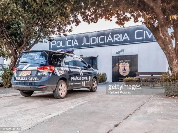 comisaría civil con vehículo - tapurah, mato grosso, brasil - guardia civil fotografías e imágenes de stock