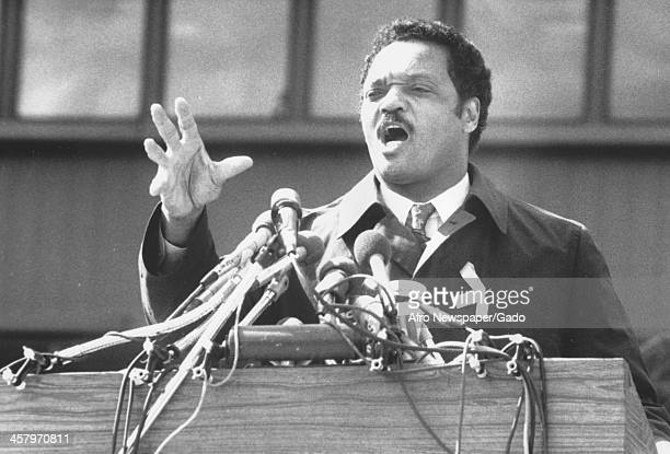 Civil rights activist Jesse Jackson Sr yells and gestures during a campaign speech 1988