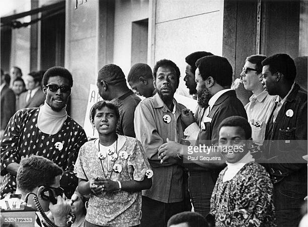 Civil rights leader Hosea Williams stands on Michigan Avenue with fellow marchers from the Poor Peoples' Campaign during protests at the Democratic...