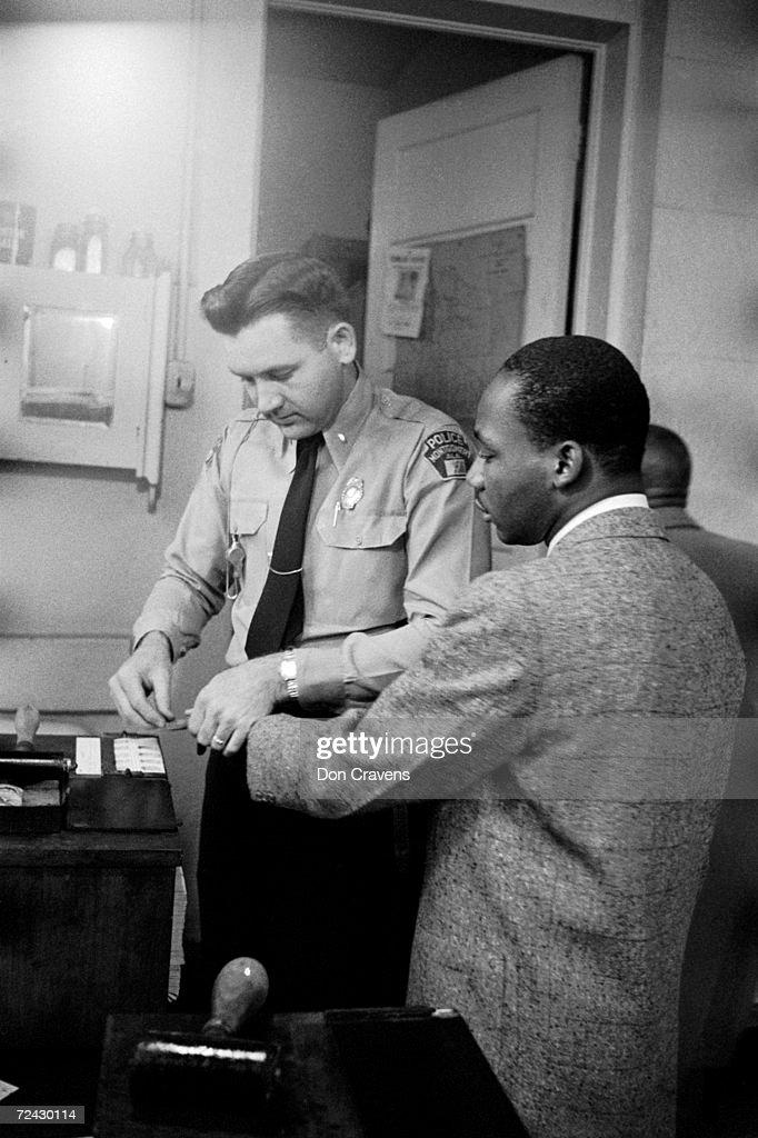 Civil rights leader Martin Luther King Jr being fingerprint : News Photo