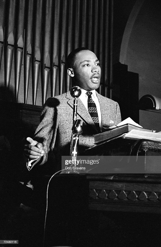 Civil rights leader Martin Luther King Jr speaking at a ral : News Photo
