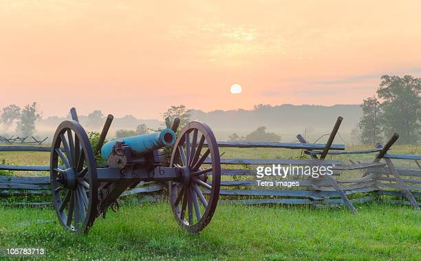 civil war cannon - gettysburg stock photos and pictures
