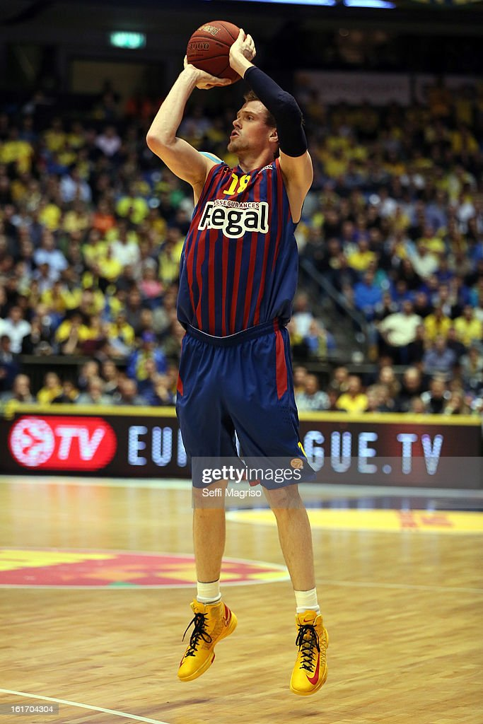 C.J.Wallace, #18 of FC Barcelona Regal in action during the 2012-2013 Turkish Airlines Euroleague Top 16 Date 7 between Maccabi Electra Tel Aviv v FC Barcelona Regal at Nokia Arena on February 14, 2013 in Tel Aviv, Israel.