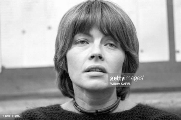 Claire Bretécher lors d'une séance de dédicace au 'Pen Club' à Paris le 14 décembre 1974 France